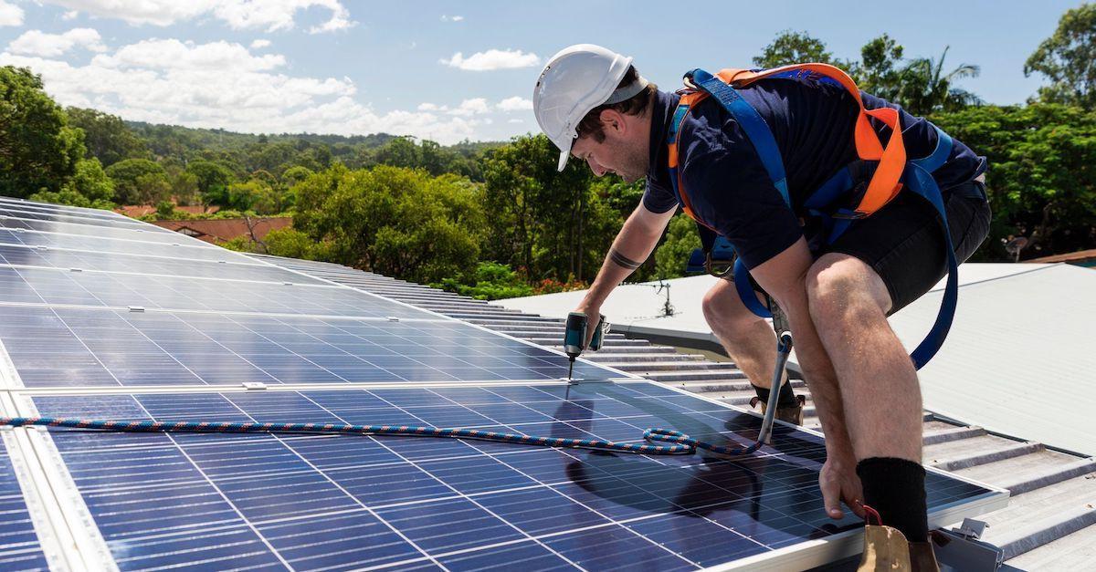 Solceller produserer mer strøm i kaldt klima. Norge har nok soltimer til å spare strømmen