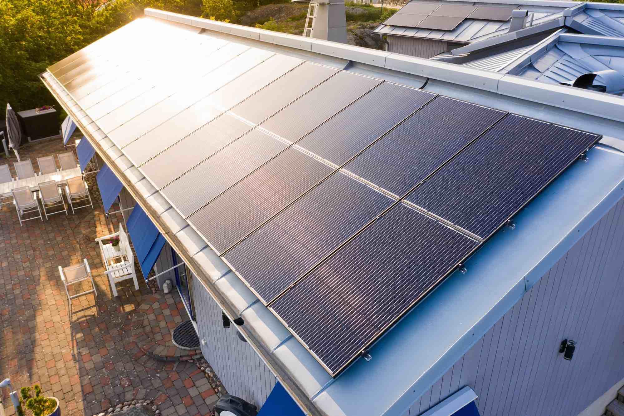 Solceller på tak.
