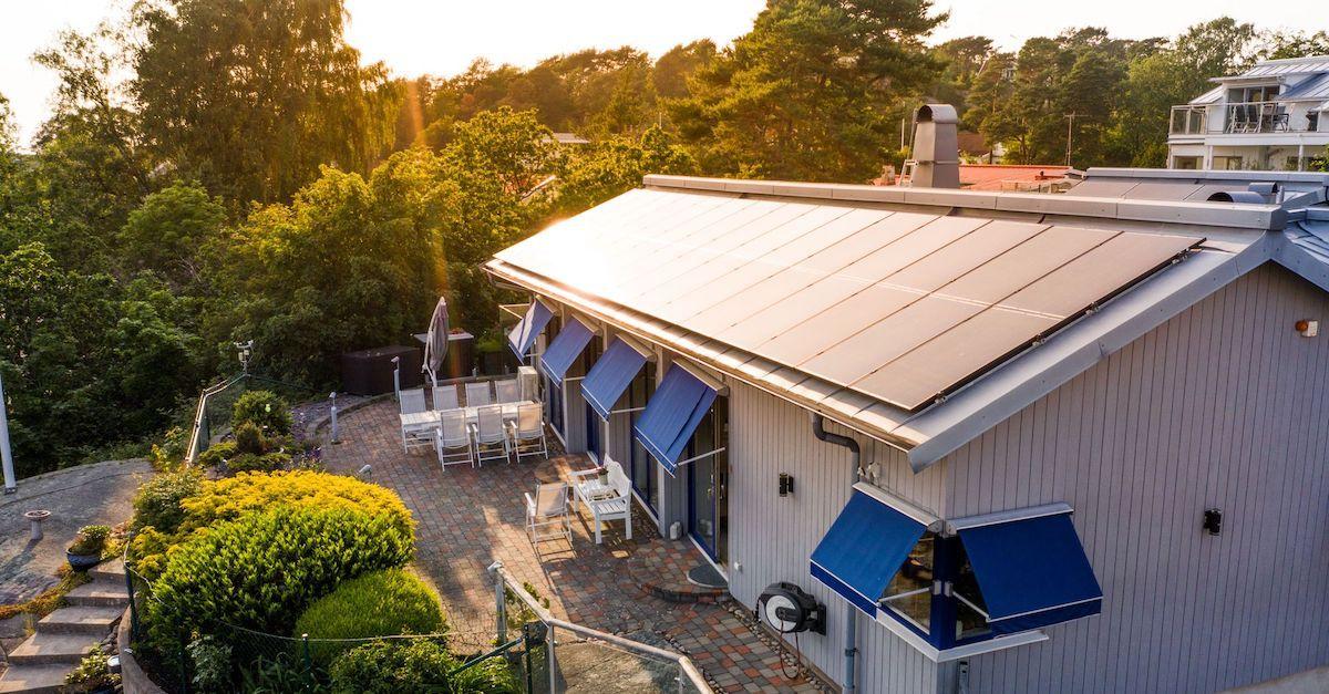 Leasing av solcelleanlegg fra Otovo er en enkel løsning for å redusere utgiftene og spare penger.